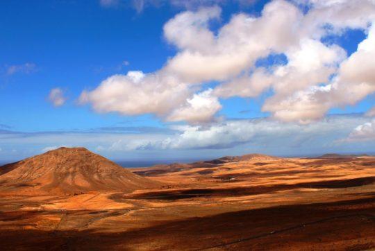 Tindaya come Ayers Rock, la montagna sacra di Fuerteventura